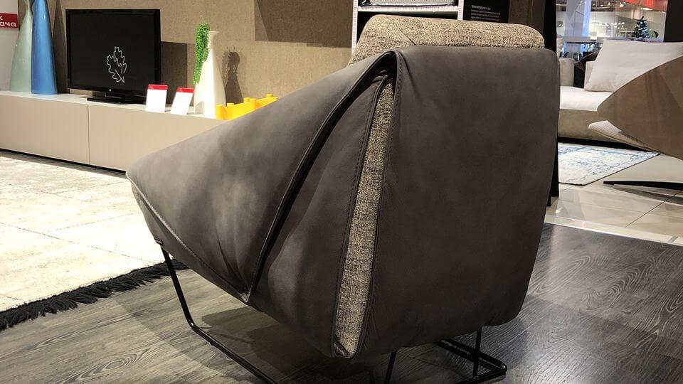 Итальянское кресло Nicoline Gioia ткань-кожа итальянская мебель в Одессе