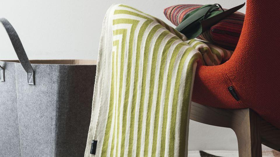 Пледы Calligaris Illusion 100% хлопок с графическим рисунком, размер 130 см Х 170 см итальянская мебель в Одессе