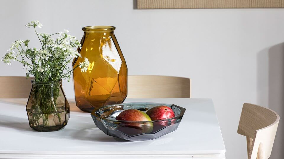 Стеклянные вазы Calligaris Face разной формы с граненым декоративным рисунком итальянская мебель в Одессе