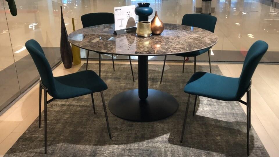 Стол обеденный Calligaris Balance не раскладной в глянцевой покраске ( цвет - Emperador marble ), нога ( цвет - Matt Black ). Габариты: 140 х 140 х 75 итальянская мебель в Одессе