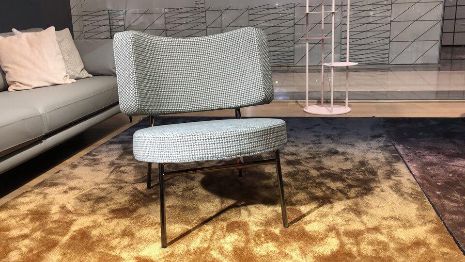 Кресло Calligaris Coco в тканевой обивке разных цветов и фактур на металлических ножках итальянская мебель в Одессе