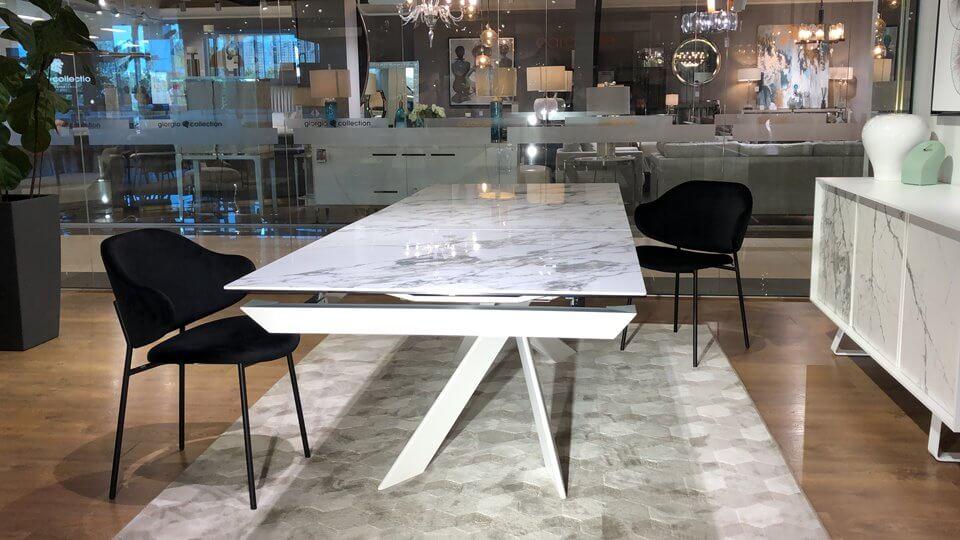 Новинка! В наличии стол Eclisse от итальянской фабрики Calligaris,керамическая столешница в цвете White Marble, ножки Matt Optic White. Габариты: 180 (280) х 100 х 76 итальянская мебель в Одессе