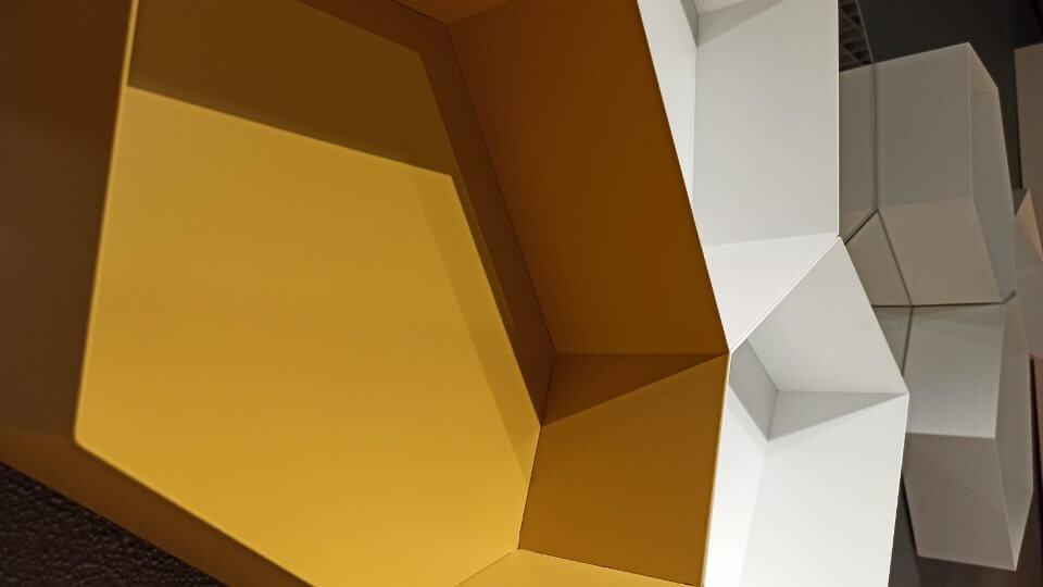 Полка + зеркало Calligaris Moss в виде сот разных цветов итальянская мебель в Одессе