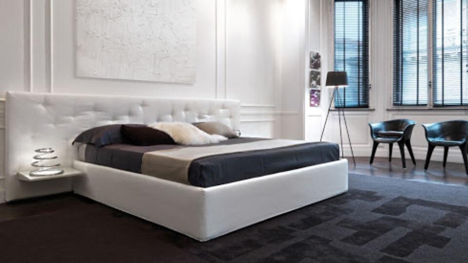 Кровать Desiree Chance в мягкой обивке разных цветов и фактур на ножках/без ножек с коробом для хранения итальянская мебель в Одессе