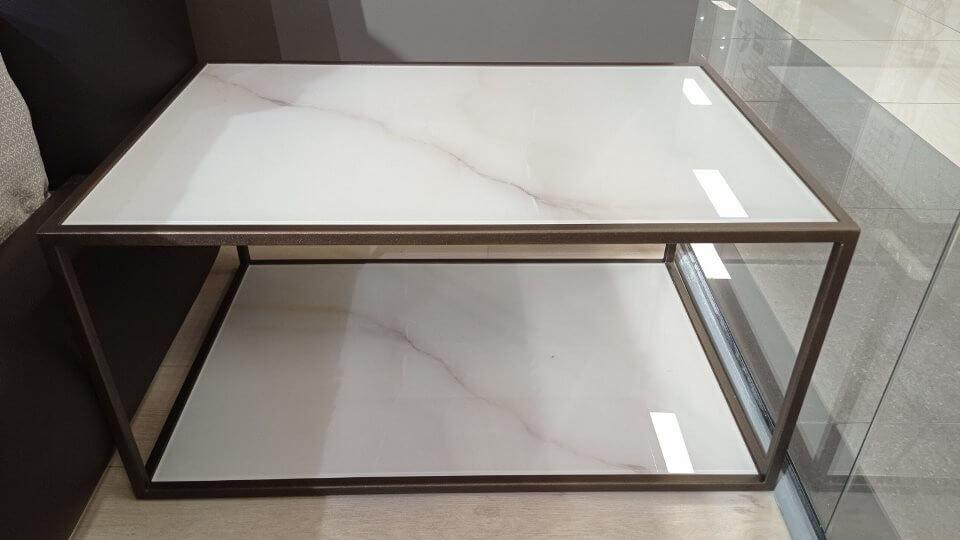 Журнальный/прикроватный столик Plume от итальянской фабрики Jesse итальянская мебель в Одессе