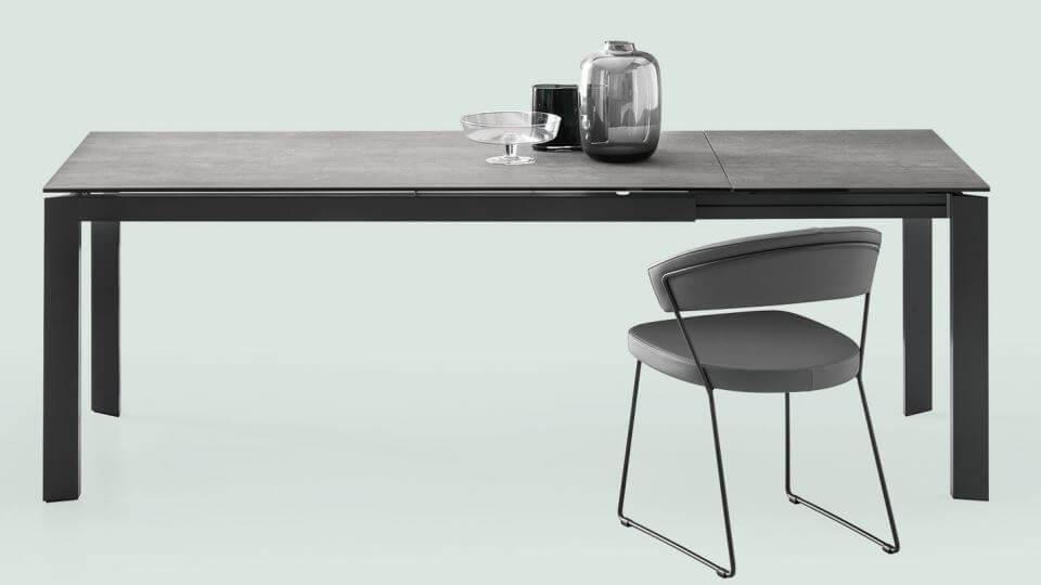 Стол обеденный Baron от итальянской фабрики Connubia c прямоугольной раскладной керамической столешницей итальянская мебель в Одессе