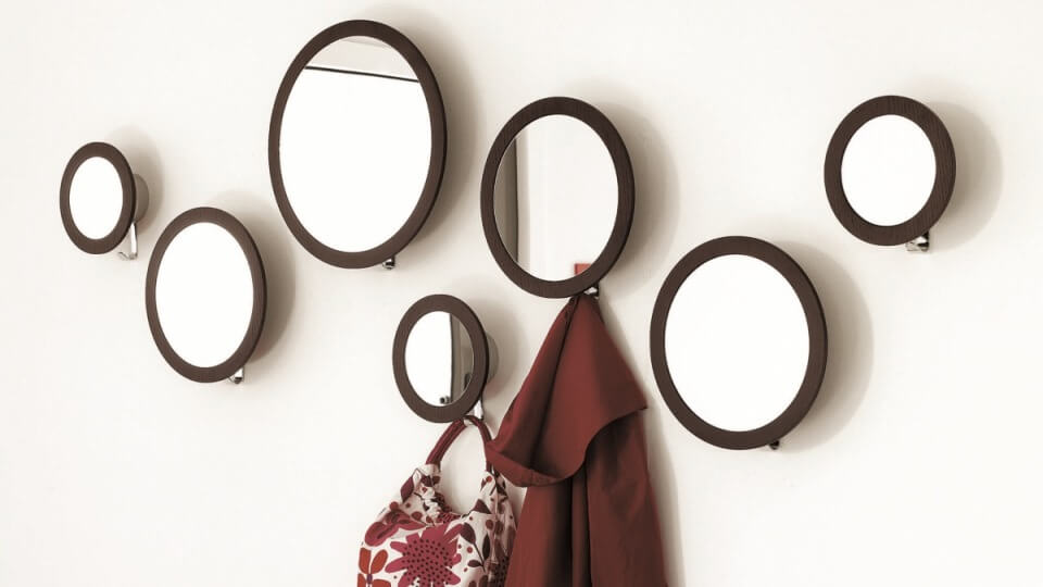 Комплект Stars из 7 круглых зеркал с разным диаметром от итальянской фабрики Calligaris с рамой из массива ореха итальянская мебель в Одессе