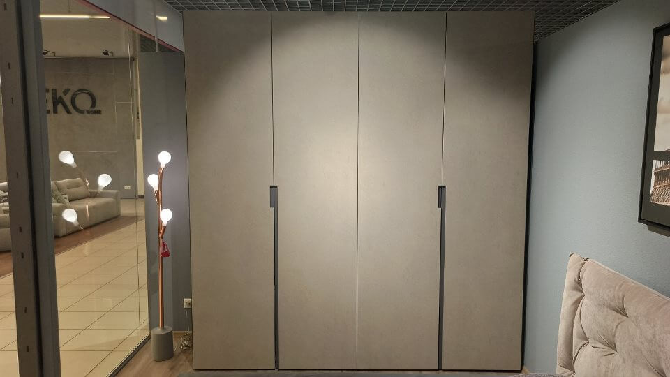 Шкаф распашной Master от итальянской фабрики MAB итальянская мебель в Одессе