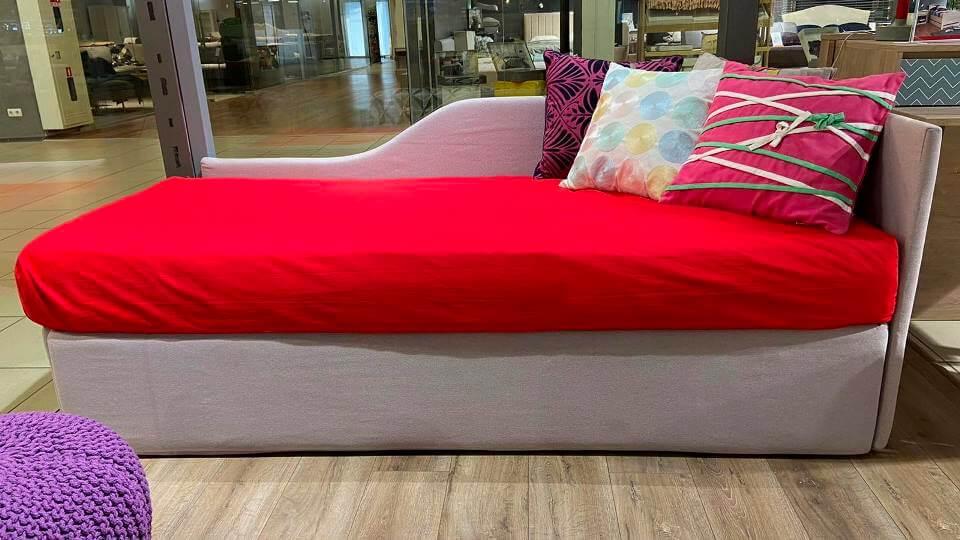 Кровать Erik от итальянской фабрики Felis в мягкой тканевой обивке с коробом для хранения вещей, размер спального места ш 80 см *д 190 см, габариты: д 204 см х ш 93 см х в 77 см. итальянская мебель в Одессе