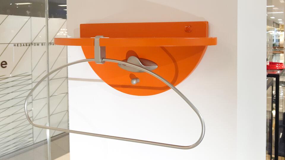 Вешалка/полка Ambrogio от итальянской фабрики Calligaris из дерева с металлическими вставками, в цветах: Orange, Red итальянская мебель в Одессе