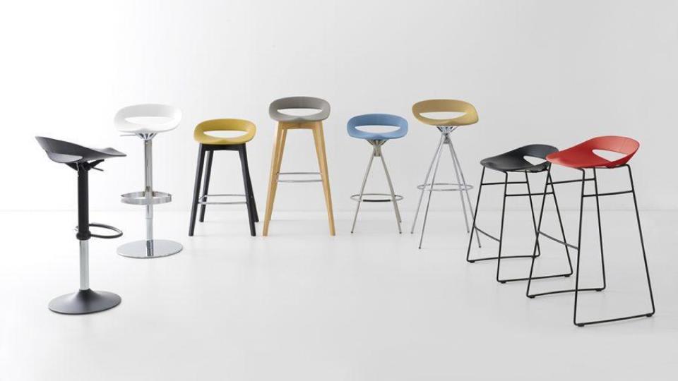 Стул барный/ полубарный COSMOPOLITAN от итальянского бренда Connubia с сиденьем из полипропилена на металлическом/деревянном основании разного типа: лифт система, нога лыжа, 4 стационарные ножки итальянская мебель в Одессе