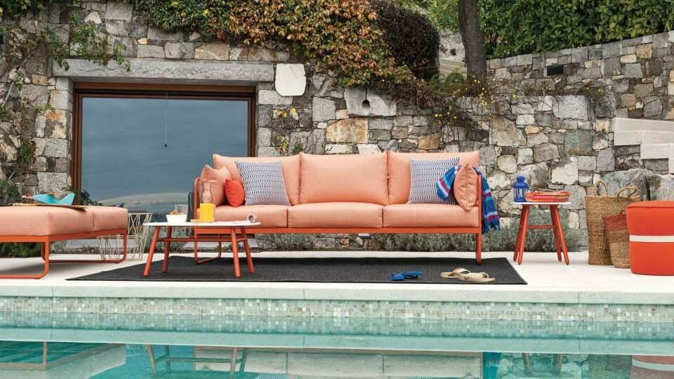 Прочный диван EASY с трубчатым металлическим каркасом оснащен съемным чехлом итальянская мебель в Одессе