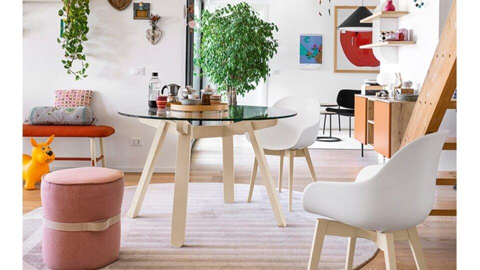 стол Peeno от итальянской фабрики Connubia. Круглая стеклянная столешница (Transparent), на деревянных ножках (цвет- Graphite). Габариты: 120 х 120 х 76 итальянская мебель в Одессе