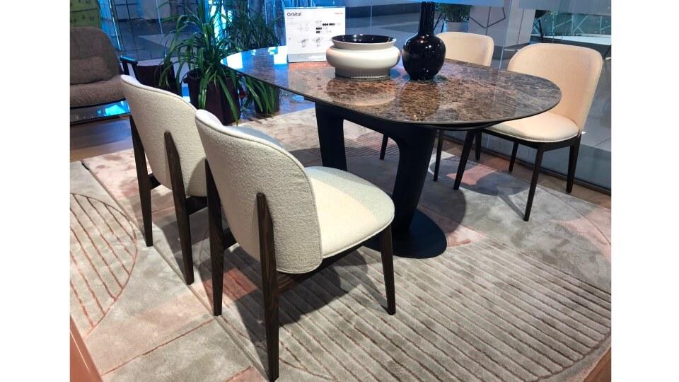 стулья Abrey от итальянской фабрики Calligaris, сидение в цвете Paris Cream, ножки Smoke.Габариты: 52 х 60 х 80 итальянская мебель в Одессе